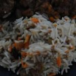 Плов из риса и говядины с изюмом